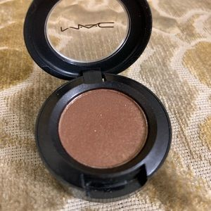 MAC Eyeshadow in Sparkle Neely Sparkle